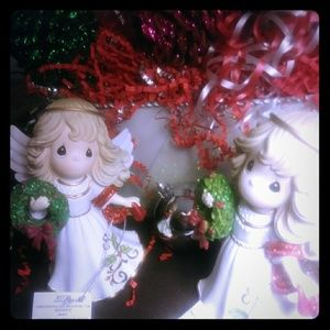 NEW! Beautiful Pair of Christmas Angels